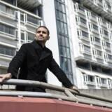"""Journalist, dokumentarist og forfatter Nagieb Khaja er aktuel med sin bog """"Du Må Ikke Græde - For Så Mister Du Blod""""."""