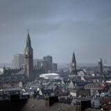 Velfærdsstatens centrum. Udsigt mod Københavns Rådhus fra tårnet på Christiansborg Slot.