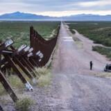 Debatten om grænsen til Mexico, her ved byen Douglas, har fyldt meget i den amerikanske valgkamp. I dag er der allerede hegn langs en tredjedel af den 3.800 kilometer lange grænse. Foto: Søren Bidstrup