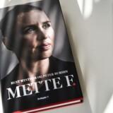 Bent Winthers udgivelse af bogen om Mette Frederiksen, som han har skrevet sammen med Peter Burhøj.
