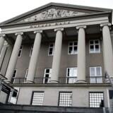 Samtlige af de fire store kreditvurderingsbureauer har nu draget konsekvenserne af hvidvasksagen og de risici, den indebærer i forhold til Danske Banks kreditværdighed, og det kan koste på bankens indtjening.