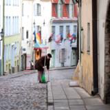 Siden Estland blev selvstændigt i begyndelsen af 1990erne, har det baltiske land i mange henseender skelet til sine nordiske naboer. Men Estland har i mange år haft en skattepolitik helt anderledes fra den nordiske og danske model, og den er blevet kåret til verdens mest konkurrencedygtige af slagsen. Omvendt er uligheden i landet mærkbar.