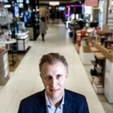 Magasins økonomidirektør Peter Fabricius er tilfreds med, at kæden holder en stabil omsætning i en tid, hvor markedet er under pres, og der er en hård konkurrence i dansk detailhandel.
