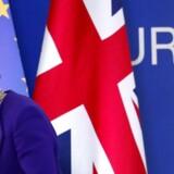 Den britiske premierminister Theresa May kæmper hårdt for at få en aftale om Brexit i hus med EU. Foreløbig er det ikke lykkedes, og de danske virksomheder har tralvt med at investere i Storbritannien for at undgå en toldmur ved et hårdt Brexit.
