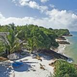 Der er hoteller og bungalows i første række rundt om hele Zanzibars hovedø. Her er det Nyati Beach Lodge. Fotos: Anders-Peter Landert og PR