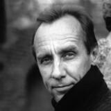 Husker du Van Veeteren og Gunnar Barbarotti? I sin nye bog fører Håkan Nesser sine to skarpsindinge hovedpersoner fra forfatterskabets to serier sammen.