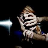 Med den nuværende voldtægtslov skal der i praksis være synlige tegn på vold, før der bliver dømt for voldtægt, viser en analyse, som Amnesty International Danmark har foretaget. Både justits- og ligestillingsministeren er nu klar til et opgør med den danske lovgivning. Modelfoto: Jeppe Bøje Nielsen/Ritzau Scanpix