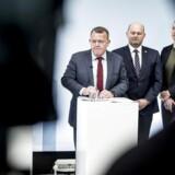 Statsminister Lars Løkke Rasmussen tog syv centrale ministre med i Mjølnerparken, da ghettoplanen skulle fremlægges. Men planens effekt er ifølge nyt notat usikker.