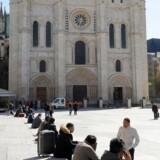 Saint-Denis katedralen står lys og majestætisk i bydelen Saint-Denis, som er en af de mest islamiserede områder i Europa. Kasper Støvring mener, at Danmark kan spejle sin nærmeste fremtid i Frankrig, som nærmest er i en »permanent undtagelsestilstand på grund af islamismen«. Foto: Marin Ludovic/AFP/Scanpix Ritzau
