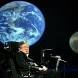 Bag sit ubevægelige ydre gjorde Stephen Hawking sig utallige dybe og i nogle tilfælde decideret skræmmende tanker om universet og menneskets placering i det.