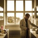 Professor Eske Willerslev i sit laboratorium i København, hvor han DNA-sekventerer knoglerester af de ældste mennesker i Amerika.