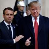 Emmanuel Macron byder Donald Trump velkommen i Élyséepalæet ved markeringen af 100-året for afslutningen af Første Verdenskrig.