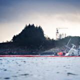 Det norske krigsskib »KNM Helge Ingstad« sank i formiddags. Skibet kolliderede i sidste uge med et tankskib, og har siden da ligget stabilt.