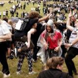 Puttemiddage er et kendt fænomen i Nordsjælland og København. Her er det den såkaldte puttefest i Dyrehaven nord for København, hvor op mod 10.000 gymnasieelever fester. Fotoet har altså intet med den aktuelle sag i Malmø at gøre.