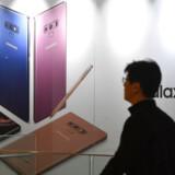 Samsung gør klar til at lancere tre nye Galaxy S10-jubilæumstelefoner, som får selskab af den første 5G-telefon, der bliver topudstyret. De efterfølger alle den nuværende topmodel, Galaxy Note 9 (billedet), der kom tidligere i år. Arkivfoto: Jung Yeon-je, AFP/Scanpix