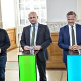 »På alle måder var jeg hamrende nervøs,« siger Alternativets politiske leder, Uffe Elbæk, der i 2015 for første gang deltog som partileder i folketingsvalgkampens partilederdebatter på TV.
