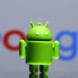 Google overvåger brugerne med Android-telefoner uden deres samtykke, mener forbrugerråd i syv EU-lande, der nu melder internetgiganten for overtrædelse af EUs databeskyttelsesregler. Arkivfoto: Dado Ruvic, Reuters/Scanpix