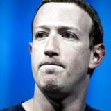 Facebook-stifter og -topchef Mark Zuckerberg, har nægtet at stille op til krydsforhør i det britiske parlament. Nu slår politikerne hårdt igen på højst usædvanlig vis og sikrer sig interne e-mail fra Facebook-ledelsen.