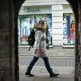 20-årige Phoebe Fletcher studerer til lærer i Canterbury. Hun har dansk mor, men har boet hele sit liv i Sydengland. Hun føler sig både dansk og britisk vil gerne beholde sin forbindelse til Danmark. Efter beslutningen om Brexit er det derfor blevet vigtigt for hende at bevare det danske statsborgerskab, som hun havde automatisk som barn, men står til at miste som voksen.