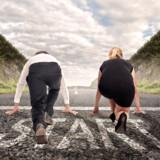 Det kan godt være, at mænd og kvinder på papiret har lige muligheder, men i praksis er det ikke tilfældet, viser megen forskning. Foto: Shutterstock