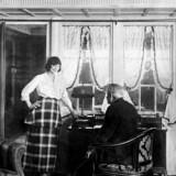 I perioden omkring 1910 var dansk film førende på verdensplan. Den danske skuespillerinde Asta Nielsen (tv) var berømt i hele verden. Nf/Ritzau Scanpix
