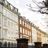 Kronprinsessegade, der er fra årene efter Københavns brand i 1795, blev opkaldt efter den daværende kronprinsesse, Marie Sophie. Bygningsfredningsloven forhindrede, at gaden blevet revet ned sammen med resten af Adelgade/Borgergade-kvarteret.