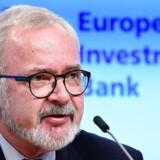 I skal have mere gang i investeringerne. Ikke minidst i digitaliseringen. Sådan lyder det fra chefen fra European Investment Bank, EIB, tyske Werner Hoyer i en direkte opfordring til EU-landene. Digitaliseringen i specielt Tyskland halter meget efter, fremhæver Werner Hoyer.