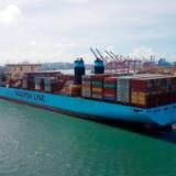 Maersk Lines contianerskibe, som her ved Kaohsiung-havnen i Taiwan, vil fremover benytte helt andre drivmidler end den bunker-olie skibene bruger idag.