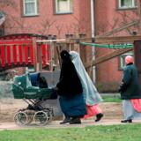 Arkivfoto. Børn og unge med indvandrerbaggrund er betydeligt mere udsatte end deres danske jævnaldrende. Det skyldes især, at de vokser op under ringere materielle og boligmæssige rammer, viser en ny rapport fra VIVE.