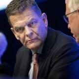 »Lad os bare kalde det en fyring. Jeg er enig i, at en fyring er det rigtige. Jeg har kun bankens interesser for øje,« sagde Ole Andersen på Danske Banks ekstraordinære generalforsamling.