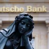 Det seneste årti har stået i skandalernes tegn for Deutche Bank, hvis hovedsæde i Frankfurt ses i baggrunden.