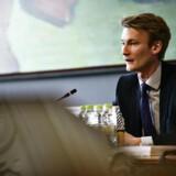 Dansk Folkepartis retsordfører, Peter Kofod, ser den delvise lovliggørelse af peberspray som et skridt i den rigtige retning.