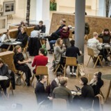 Studerende og medarbejdere på Københavns Universitet bliver nu inviteret til et internt debatmøde om personalepolitiske retningslinjer på universitetet. Billedet er genrebillede fra KU på Amager.