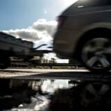 I dag kan politiet uden retskendelse f.eks. GPS-spore personer mistænkt for indbrud ved at montere en GPS på ydersiden af deres bil. Et nyt lovforslag lægger op til regulering af indgrebet.