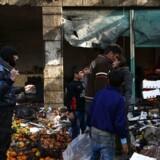 Et tyrkisk kontrolleret område af Syrien, byen Afrin, blev i weekenden ramt af en bilbombe på en markedsplads, hvor mindst otte blev dræbt.