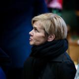 Kulturminister Mette Bock (LA) bliver siddende i ministerbilen, indtil der udskrives valg til Europa-Parlamentet, hvor hun er partiets spidskandidat.