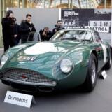1961 Aston Martin DB4 GT Zagato kombinerer engelsk teknik med italiensk design. Her ses den forud for Bonhams auktion, Les Grandes Marques du Monde, i februar 2018 i Paris.