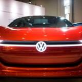 VW er nødt til at kassere en stor elbil-plan til en værdi af 224 mia. kr. i kølvandet på nye EU-regler (Photo by Odd ANDERSEN / AFP)