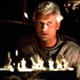 Replikanten Roy Batty er i »Blade Runner« sine skabere overlegen i både intelligens og styrke. Til gengæld er han udstyret med en udløbsdato - fire år fra aktivering.