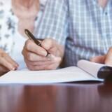 Et ægtepar spørger ind til muligheden for at undgå at blive ramt af topskatten, når arven skal gives videre.