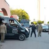 Ligene af de to kvinder blev torsdag eftermiddag transporteret fra lighuset i Marrakesh i Marokko under stort politiopbud til lufthavnen.