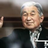Den japanske kejser Akihito fortalte mandag i en af sine yderst sjældne TV-taler, at han føler, han har svært ved at blive ved med at varetage sin position som kejser. Arkivfoto: Thomas Peter/Reuters