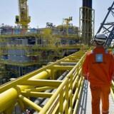 Maersk Oil fører ifølge Reuters samtaler med Shell med det mål at overtage en portefølje af olie- og gasfelter i Nordsøen. Prisen skulle være på omkring to mia. dollar.