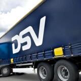 """DSV har fået løftet sit kursmål hos tyske Mainfirst til 400 kr. fra 360 kr., viser data fra Bloomberg. Den danske transport- og logistikkoncern, som stiger 0,5 pct. til 348,80 kr., beholder i samme ombæring den positive anbefaling """"outperform""""."""