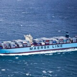 -Arkiv- Se Ritzau A.P. Møller - Mærsk skuffer i andet kvartal - - - -Arkiv- SE RB PLUS Det Blå Danmark har tabt 14.000 arbejdspladser ARKIV- -Maersk Line planlægger at lægge containerrederiets rute mellem Fjernøsten og USA's østkyst om, så den sejler gennem Suez-kanalen. Og det giver beskæftigelse til en del af rederiets ledige 6-7000 teu (20 fods containerenheder) skibe og en række indcharterede skibe i samme klasse. Det skriver shipping-nyhedsbrevet Alphaliner. (Foto: Asger Ladefoged/Scanpix 2013)