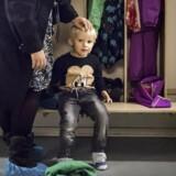 Kathrine Rødbro Busch er meget tilfreds med sin søns daginstitution, Himmelrummet på Østerbro. Her afleverer hun sin søn Frederik. Ni ud af ti forældre er tilfredse med vuggestuen eller børnehaven, viser ny måling lavet af TNS-Gallup for Berlingske.