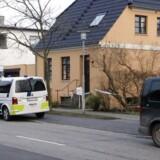 Politiet er til stede på en adresse i Glostrup, efter at der er fundet en »stærkt mumificeret død person«.