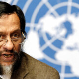 Rajendra Pachauri, Chair of the Intergovernmental Panel on Climate Change (IPCC), briefs the media on the Task Force on National Greenhouse Gas Inventories at the United Nations European headquarters in Geneva June 7, 2012. REUTERS/Denis Balibouse (SWITZERLAND - Tags: POLITICS ENVIRONMENT HEADSHOT)