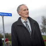 Bertel Haarder får en vej opkaldt efter sig i Allinge. Hovedpersonen var selv til stede ved afsløringen.