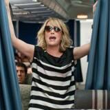 Plakatfulde og pillepåvirkede Kristen Wiig i »Bridesmaids«